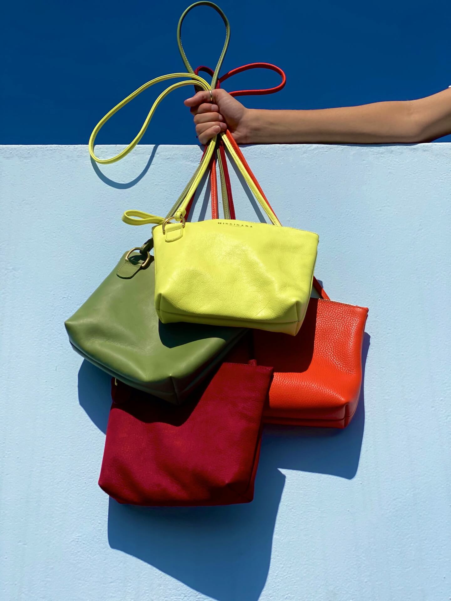 Missibaba leather bag (voucher with value of R4 000)